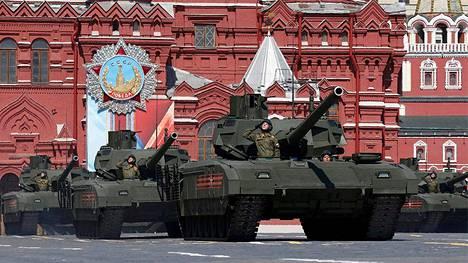 Venäjä on ylpeillyt T-14 Armata -panssarivaunuillaan sotilasparaateissa.