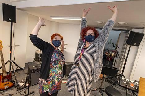Madetojan musiikkilukion opettajat Anne Ålander (oik.) ja Johanna Kemppainen.