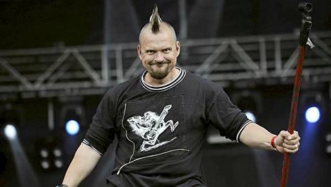 Klamydian keikka keskeytettiin, sillä laulaja Vesku Jokinen oli ottanut liikaa esiintyäkseen.