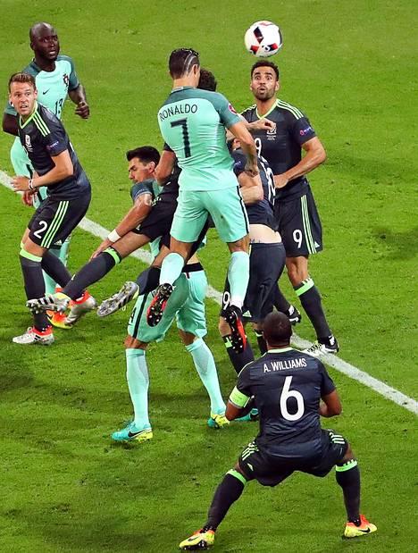 Cristiano Ronaldon ponnistusvoima on NBA-tasoa.