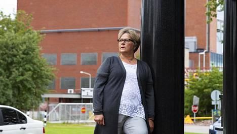Jaana Eskola ehti työskennellä Myllykoskella viisikymppikseksi asti. Sitten piti keksiä uusi ura.