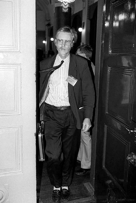 Tuomioja Sdp:n puoluekokouksessa 3.6.1993.