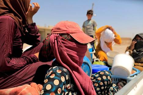 Raqqan taisteluja paenneita on Syyriassa pakolaisleireillä jo tuhansia.