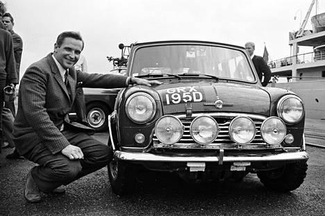 Timo Mäkinen esitteli Morris Mini -autoaan elokuussa 1967.