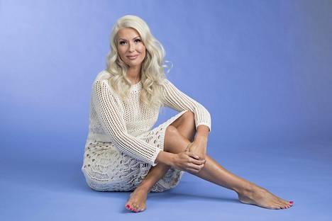 """Torppa paljastaa Maria Veitolalle, että """"tyhmän blondin"""" esittäminen julkisuudessa oli tietoinen valinta."""