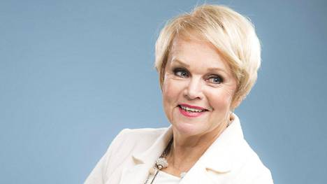 Katri Helena edusti Katson sineen taivaan -kappaleella Suomea euroviisuissa vuonna 1979.