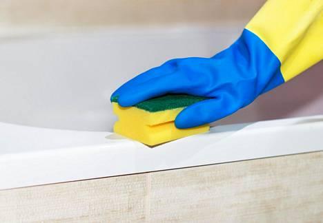 Raivosiivous eli pahantuulisena siivoaminen oli tuttua monelle kommentoijalle.