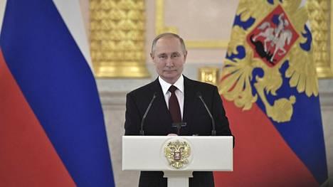 35 prosenttia venäläisistä luottaa Vladimir Putiiniin.