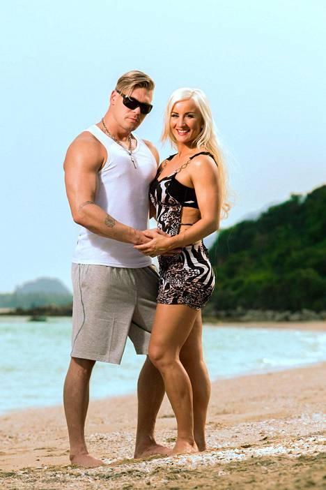 Aki ja Rita Temptation Island -ohjelman ensimmäisellä tuotantokaudella.
