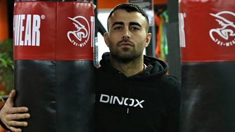 Makwan Amirkhani nousee UFC-häkkiin lokakuussa.