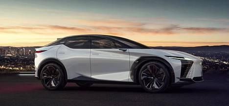 Tutkielman kori on kymmenen senttiä lyhyempi kuin Lexus ES:ssä, mutta akseliväliä on melkein yhtä paljon enemmän. Korkeutta lisää lattian alle sijoitettu ajoakku.