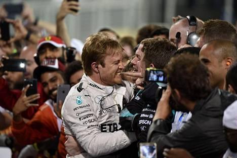 Nico Rosbergin kausi on alkanut täydellisesti.