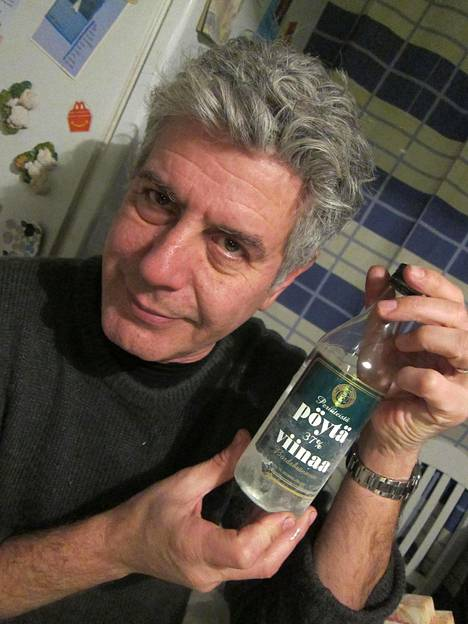 Anthony Bourdain vieraili Suomessa vuonna 2012 tutustuen Suomen ruoka- ja juomakulttuuriin. Hänen oppaanaan matkalla toimi Sami Yaffa.