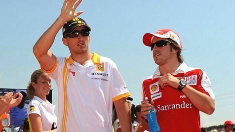 Robert Kubica ja Fernando Alonso vuonna 2010.