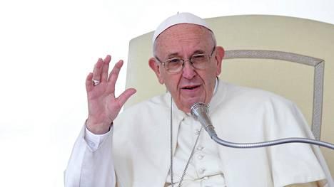 Paavi Franciscus kuvattiin Vatikaanissa 11. huhtikuuta 2018.