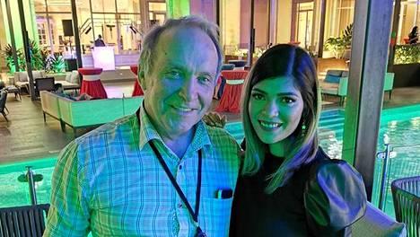 Teuvo Hakkarainen ja Stephanie Orantes yhdessä Hondurasissa.