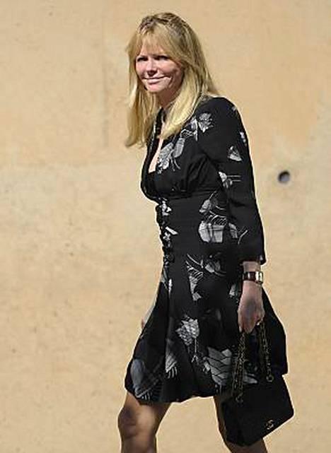 Näyttelijä ja entinen uimapukumalli Cheryl Tiegs osallistui Farrah Fawcettin hautajaisiin.