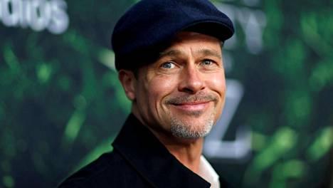 Lehdet kertovat, että näyttelijä Brad Pitt olisi nyt ihastunut Charlize Theroniin.