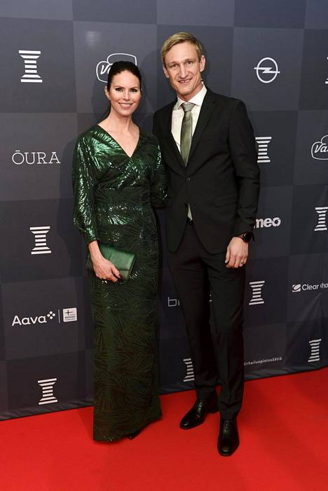 Susanna ja Sami Hyypiä. Sami Hyypiä on jalkapallovalmentaja ja entinen pelaaja. Hän on ollut Susannan kanssa yhdessä vuodesta 2007.