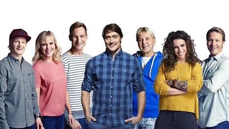 Kohonen (oik.) oli mukana Selänteen (kesk.) isännöimässä Supertähdet-ohjelmassa vuonna 2017.