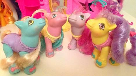 Helsingissä asuva Niina harrastaa My Little Ponyjen keräilyä. Kuvassa Ballerina Baby Ponyt.