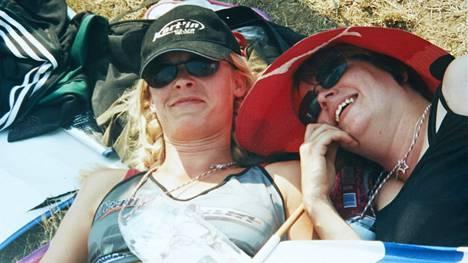 HUNGARORING, 2001. Pirjo Longan kanssa 30-vuotismatkalla.