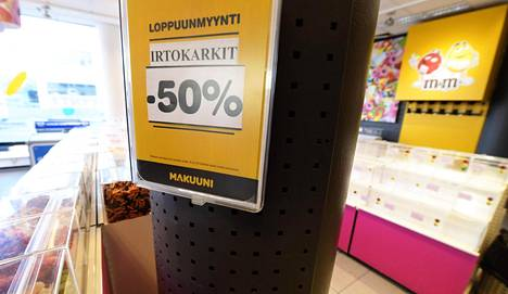 Irtokarkkia myytiin puoleen hintaan Makuunissa.