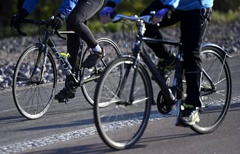 Pyöräily villitsee jo toista vuotta. Osa puhuu jo kaikkien aikojen ennätysvuodesta.