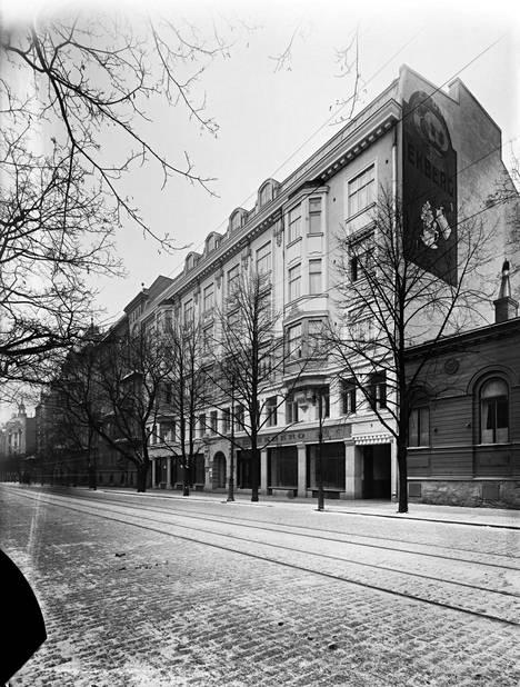 Ekberg muutti Bulevardille vuonna 1915. Kuva samalta vuodelta.