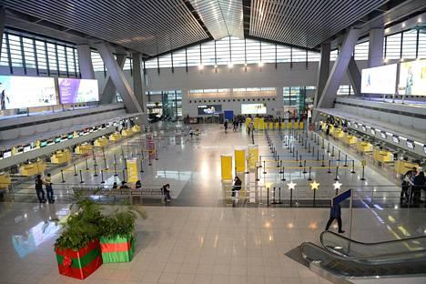 Manilan lentokentällä oli autiota tiistaina.