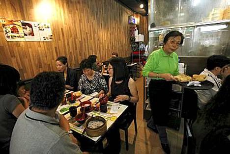Täältä saa Michelin-tähden arvoisen aterian jopa eurolla. Paikka on hongkongilainen nuudelibaari Tim Ho Wan.