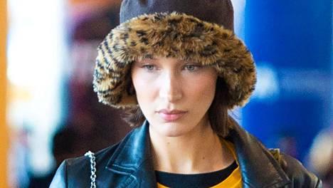 Huippumalli Bella Hadid näyttää suuntaa uudelle trendille.