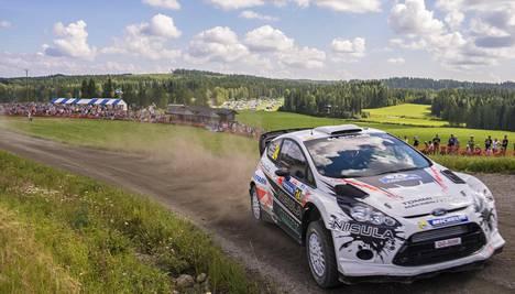Juho Hänninen Fordillaan Jyväskylän MM-rallissa 2013.