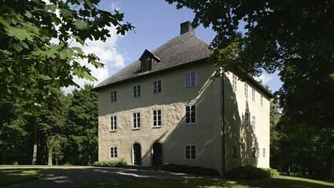 Tässä on Suomen vanhin asuinrakennus: kuutiomainen linna Maskussa
