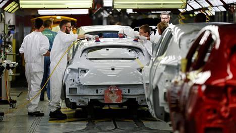 Ranska on vaatinut lainan vastineeksi Renault'lta toimenpiteitä, joihin kuuluu sen teknologisesti kehittyneimpien toimintojen sijoittaminen Ranskaan.