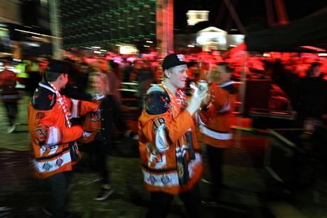 Väsymys ei painanut pelaajia, etualalla Valtteri Puustinen.
