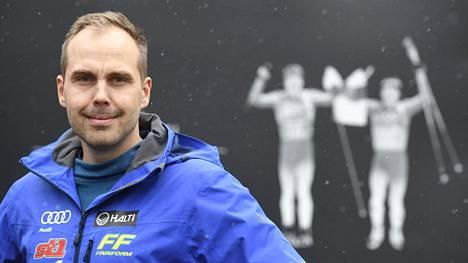 Martin Norrgård toimi viime kaudella Suomen hiihtomaajoukkueen huoltopäällikkönä. Nyt mies palaa Ruotsin huoltotiimin jäseneksi.