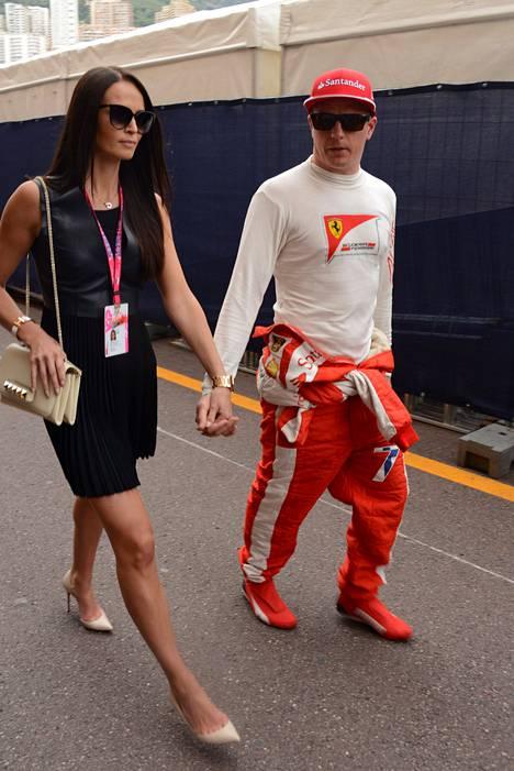 Minttu Virtanen ja Kimi Räikkönen Monacon osakilpailussa toukokuussa.