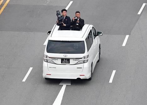 Pohjois-Korean media matkusti Kimin autosaattueen mukana.
