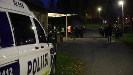 Poikaa etsittiin keskiviikkona poliisin ja vapaaehtoisten voimin.