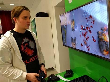 """Kajaanilaisen Sako Salovaaran johtama Rust0 Games julkaisi viime kuussa """"tulevaisuuden dystooppiseen Helsinki-metropoliin"""" sijoittuvan Spareware-räiskinnän"""