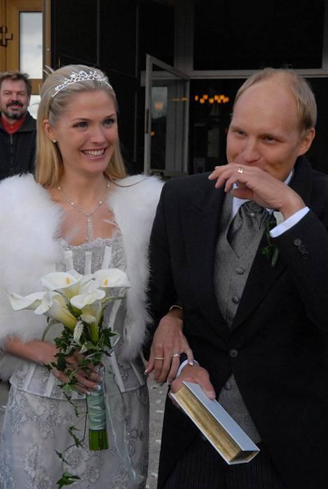 Riina-Maija Salminen ja Kalle Palander vihittiin Kuusamossa pääsiäissunnuntaina 2007.
