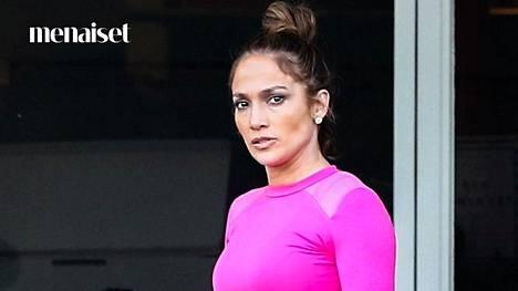 Uudet meikkituotteet sopivat nyt myös treenaamiseen.