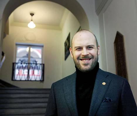 Denis Galkin on Skepsiksen varapuheenjohtaja. Hän on itse osallistunut kahteen testiin, jossa pyrittiin todistamaan yliluonnollinen ilmiö.