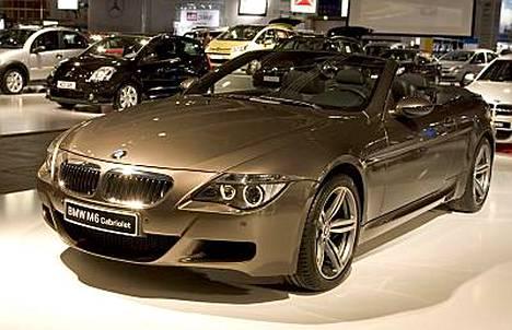BMW M6:lla ajelevat mm. Didier Drogba, Freddie Ljungberg.