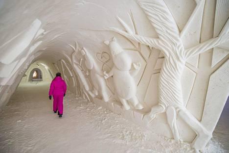Kemin lumilinna on avoinna ympäri vuoden.
