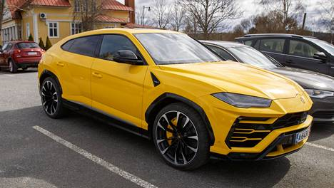 Laineen Lamborghini kuvattuna viime keväänä Nokialla ennen sen Pohjois-Amerikkaan lähettämistä.