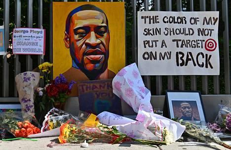 George Floydin väkivaltainen kuolema on koskettanut ihmisiä ympäri maailmaa.