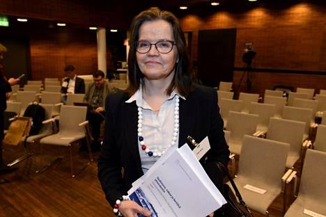 Helsingin Sanomien mukaan keskustalle kävisi pestiin vallan hyvin alivaltiosihteeri Päivi Nerg, mutta Sdp on eri mieltä.