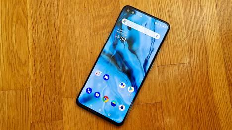 400 euron hintainen 5g-puhelin OnePlus Nord myy Suomessa hyvin. Lisäksi Samsung ja Apple ovat laittaneet laitteitaan tarjoukseen.